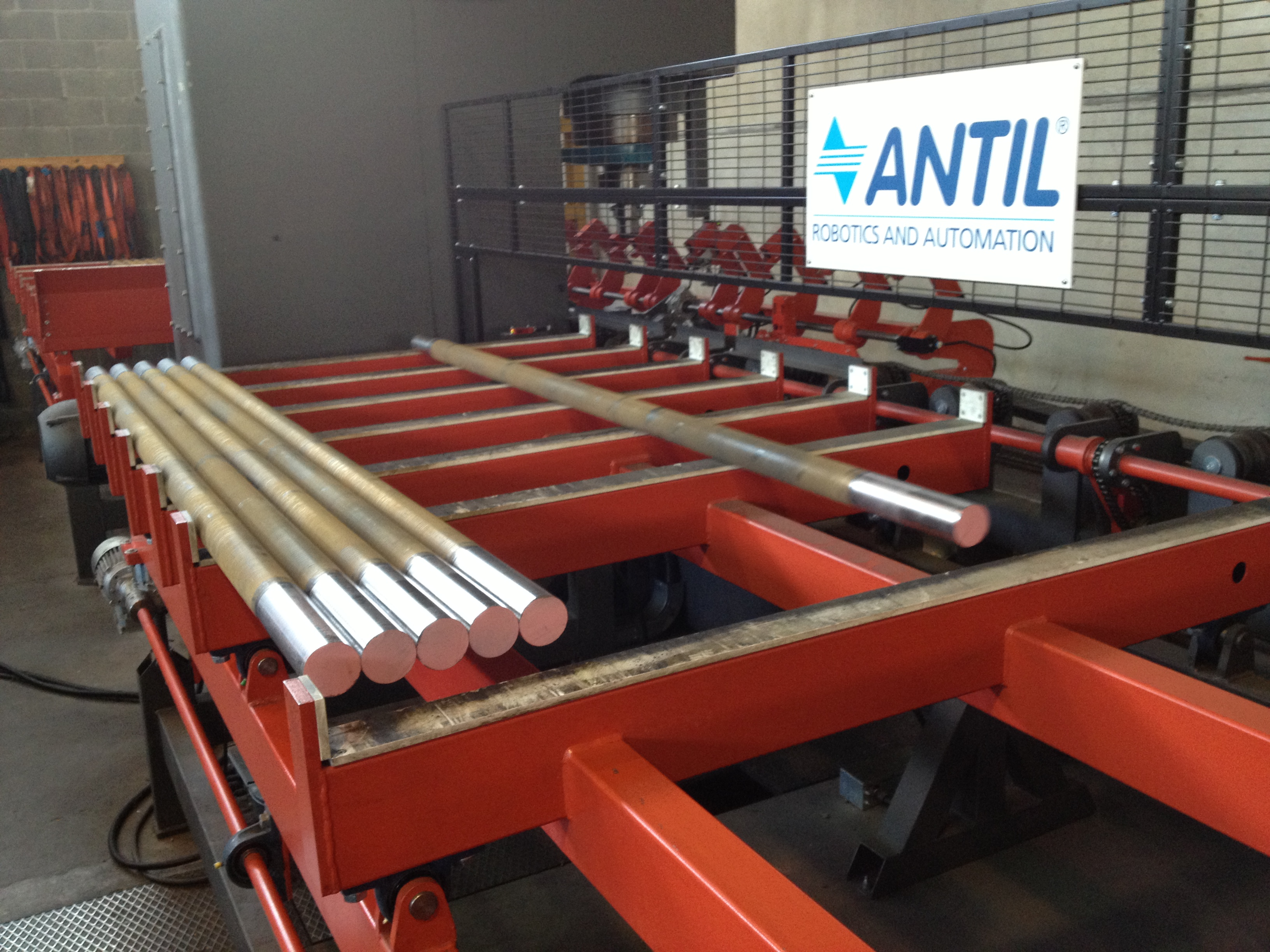 Straightening machines for tubes and bars